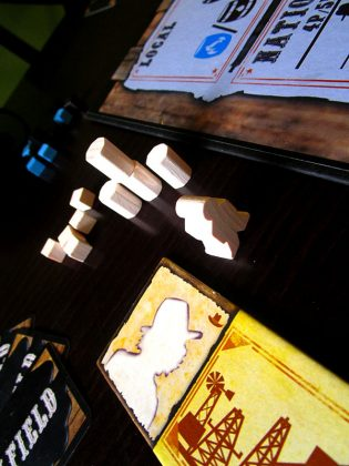 Дървените компоненти са доста generic...