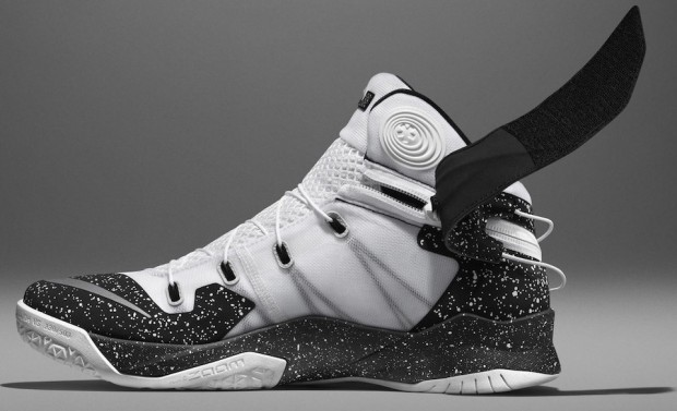 Su15_Nike_FlyEase_Wht_Detail_V1_native_1600 nike zoom soldier