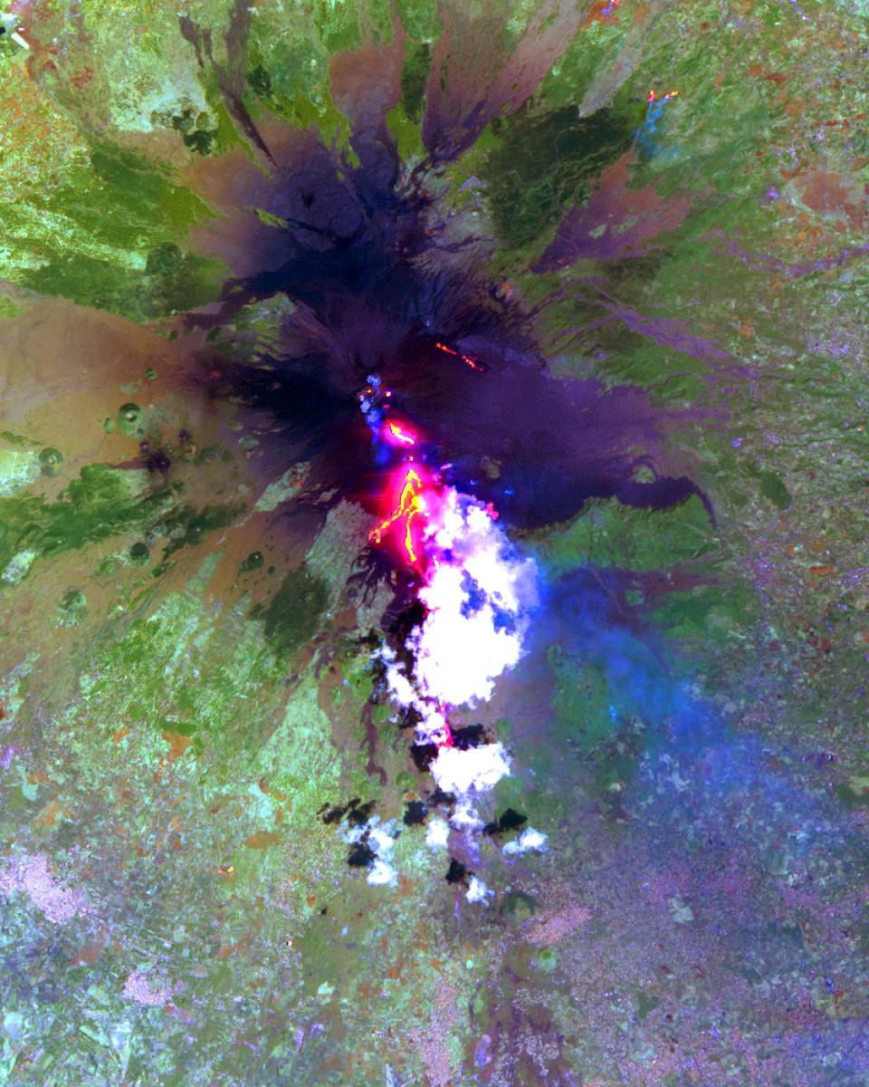 Вулканът Етна, Италия