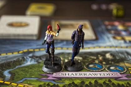 Оцветените (дори некадърно) миниатюри придават съвсем друга атмосфера на играта.