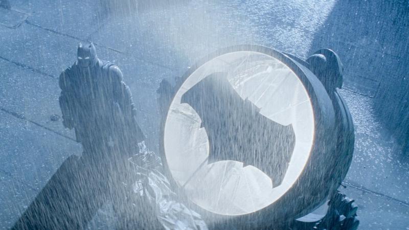 batman-v-superman-movie-photo-bat-signal