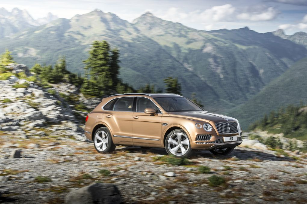 bentley-bentayga-suv-2015-10