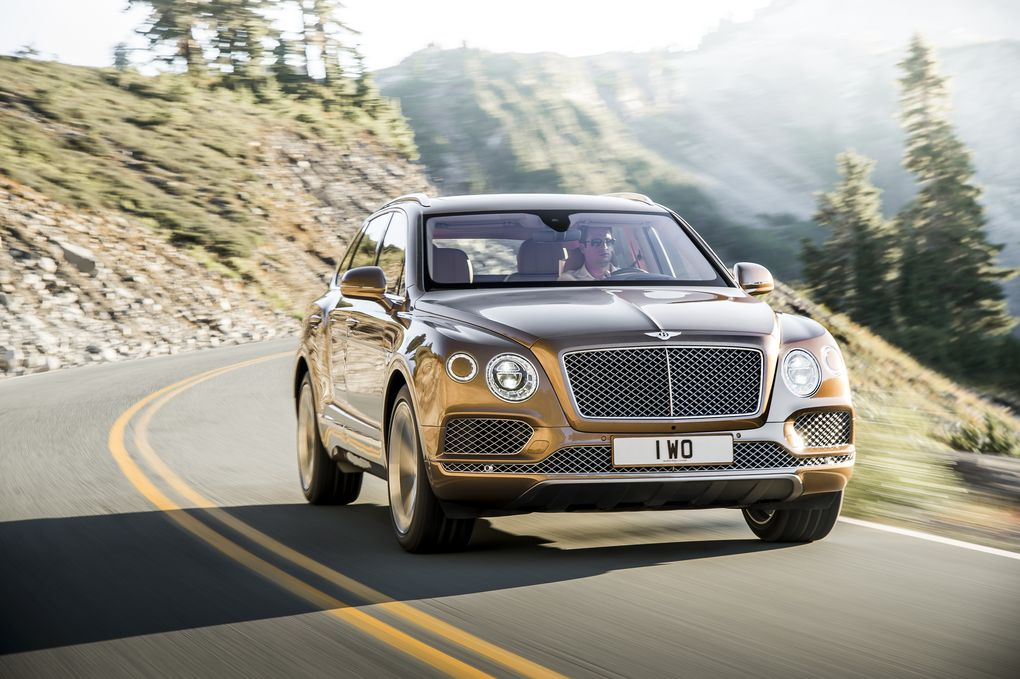 bentley-bentayga-suv-2015-11