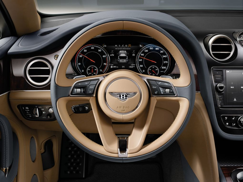 bentley-bentayga-suv-2015-4