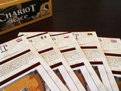В кутията ще намерите подробни правила на пет езика.