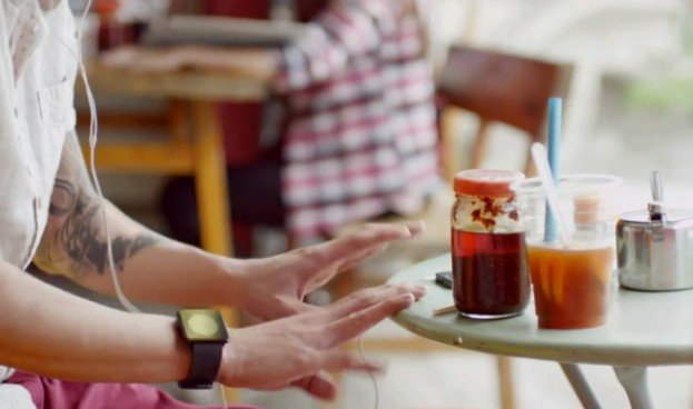 iphone iwatch commercial