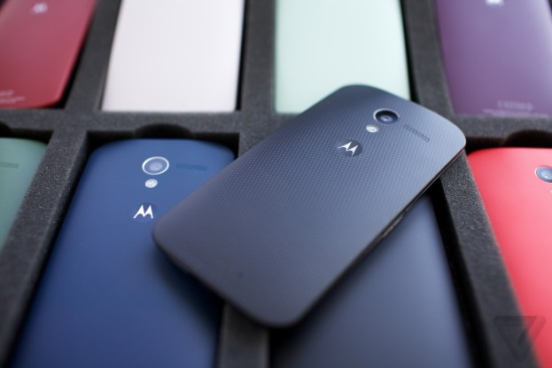 Motorola Moto X / The Verge