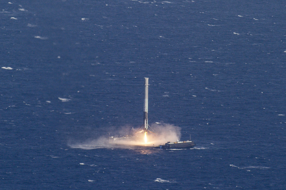 spacex-crs-8-photo-3