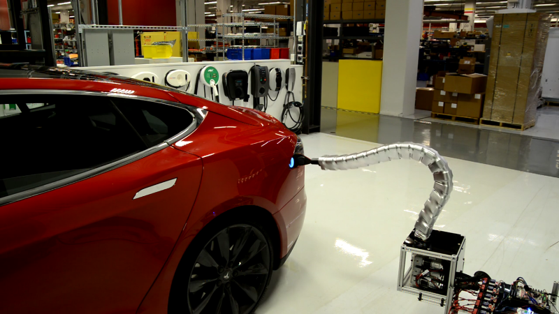 tesla-model-s-solid-metal-snake
